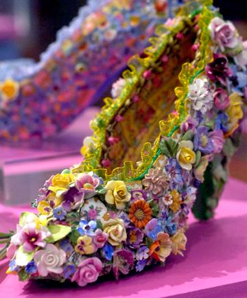 China flower shoe